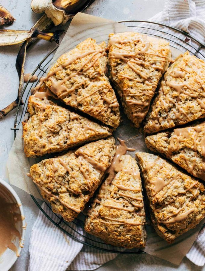 banana scones arranged in a circle on a round cooling rack