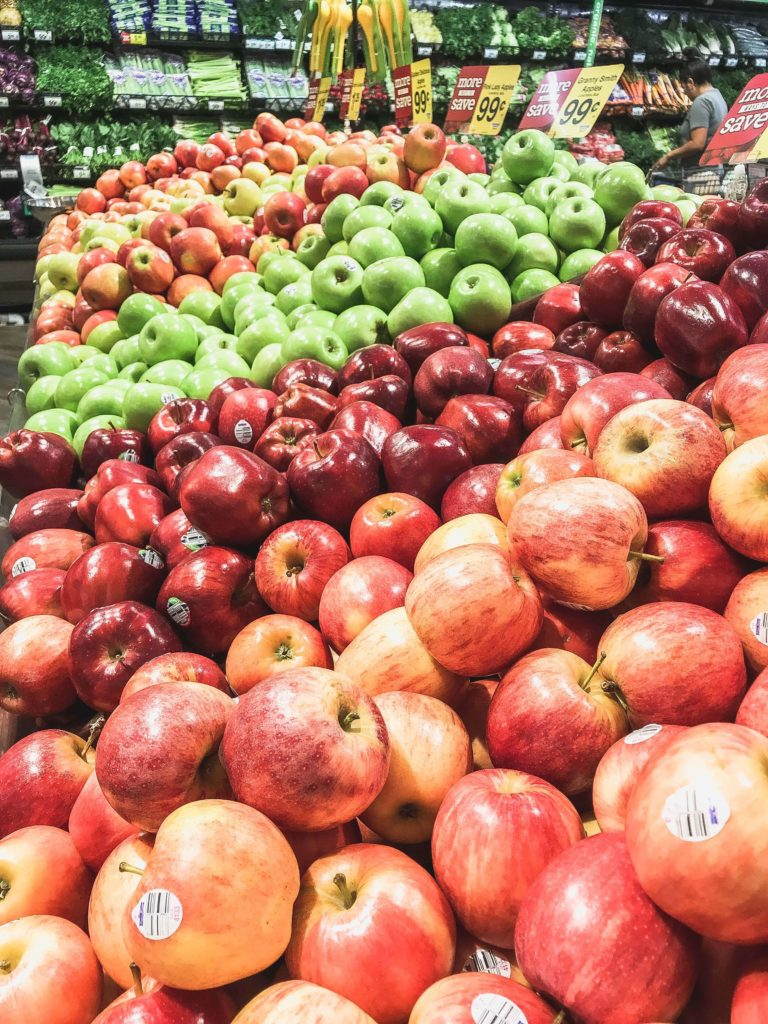 apples at Fry's grocery store