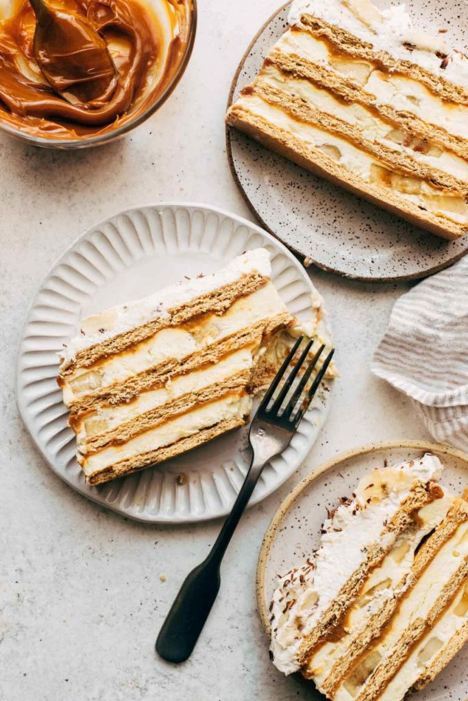 banana icebox cake slices on small places