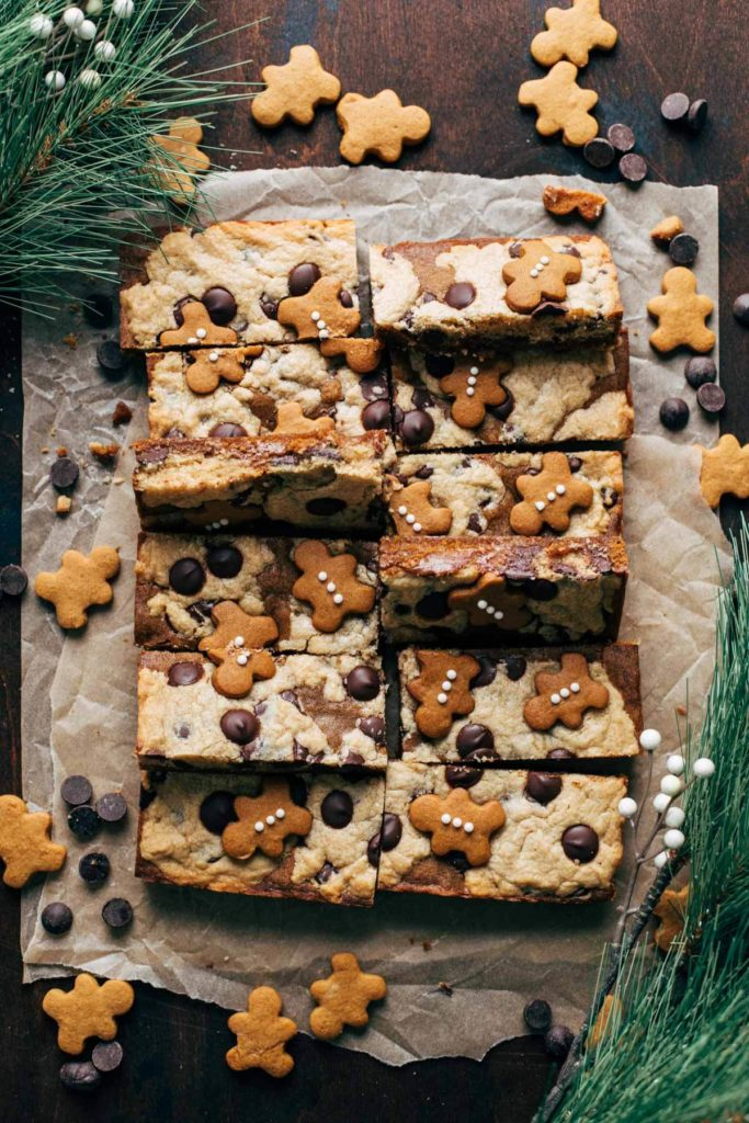 the top view of sliced gingerbread cookie bars