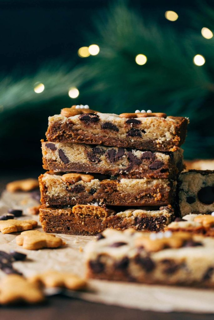a stack of gingerbread cookie bars