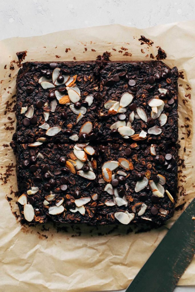 baked dark chocolate almond oatmeal