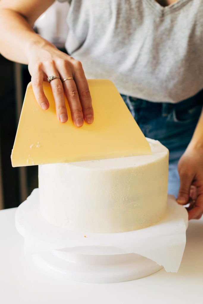 leveling off the top of a layer cake