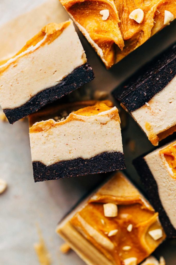 close up on the texture of vegan cheesecake bars