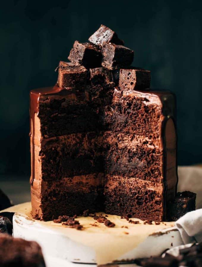 the inside of a sliced brownie cake